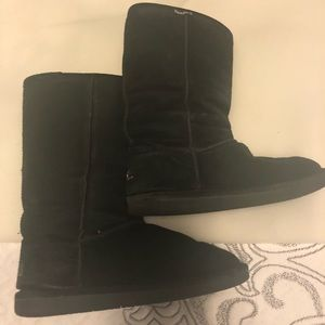 Shoes - Bearpaw tall winter boots